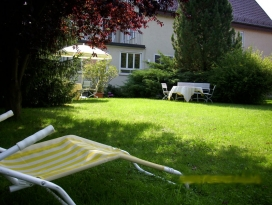 Roessle-Rosengarten-Garten.jpg