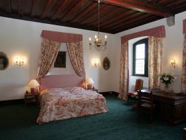 Zimmer_Schlosshotel_Götzenburg.jpg